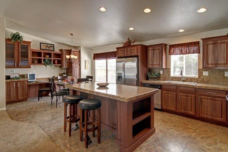 AF2856E kitchen2 770 513 - 9