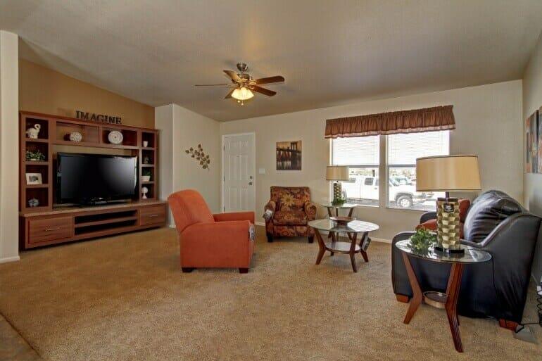AF2856E living room1 770 513 - 10