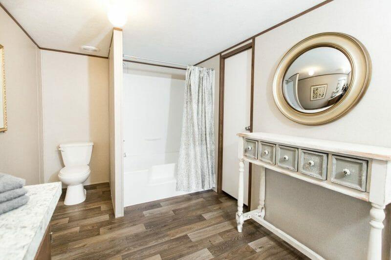 Manufactured PRIDE 36TRU28684RH Master Bathroom - 18