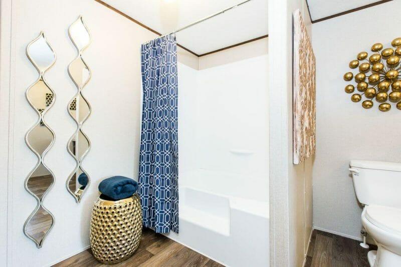 Manufactured WONDER 36TRU28724RH Master Bathroom 20170323 1556453609171 - 5